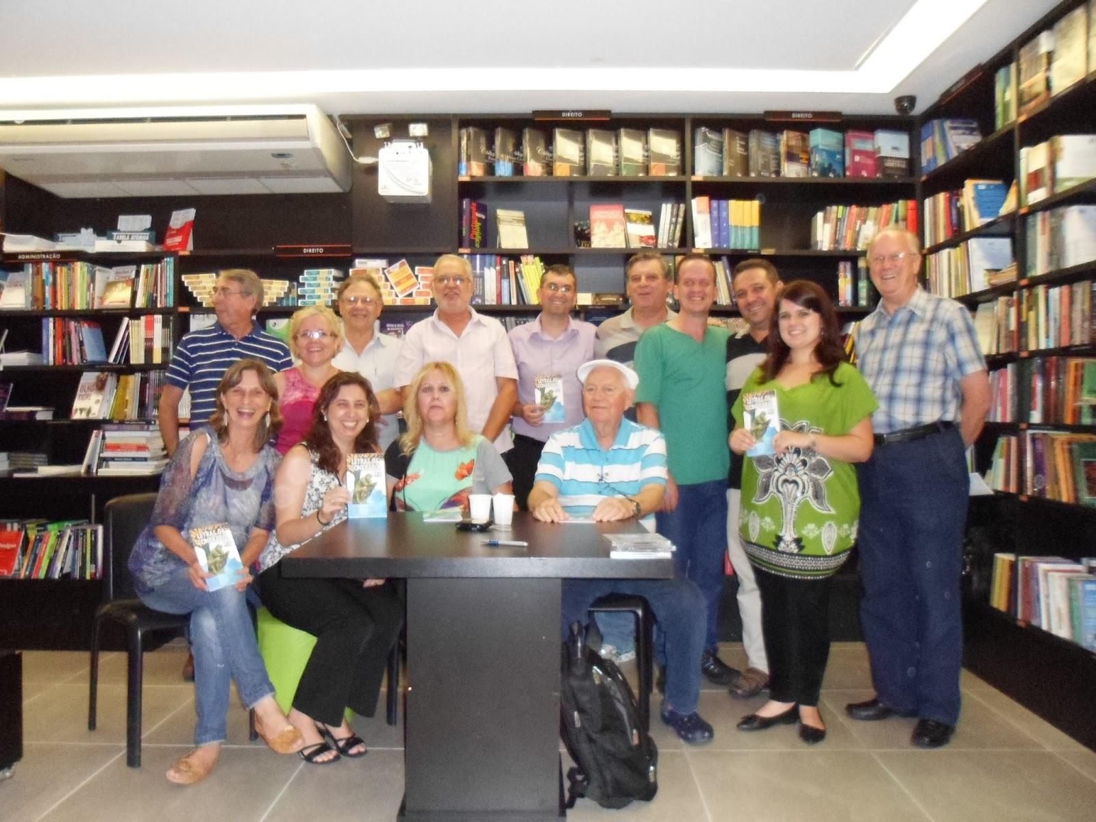 Confraria do Escritor tem participação intensa na Feira do Livro 2013