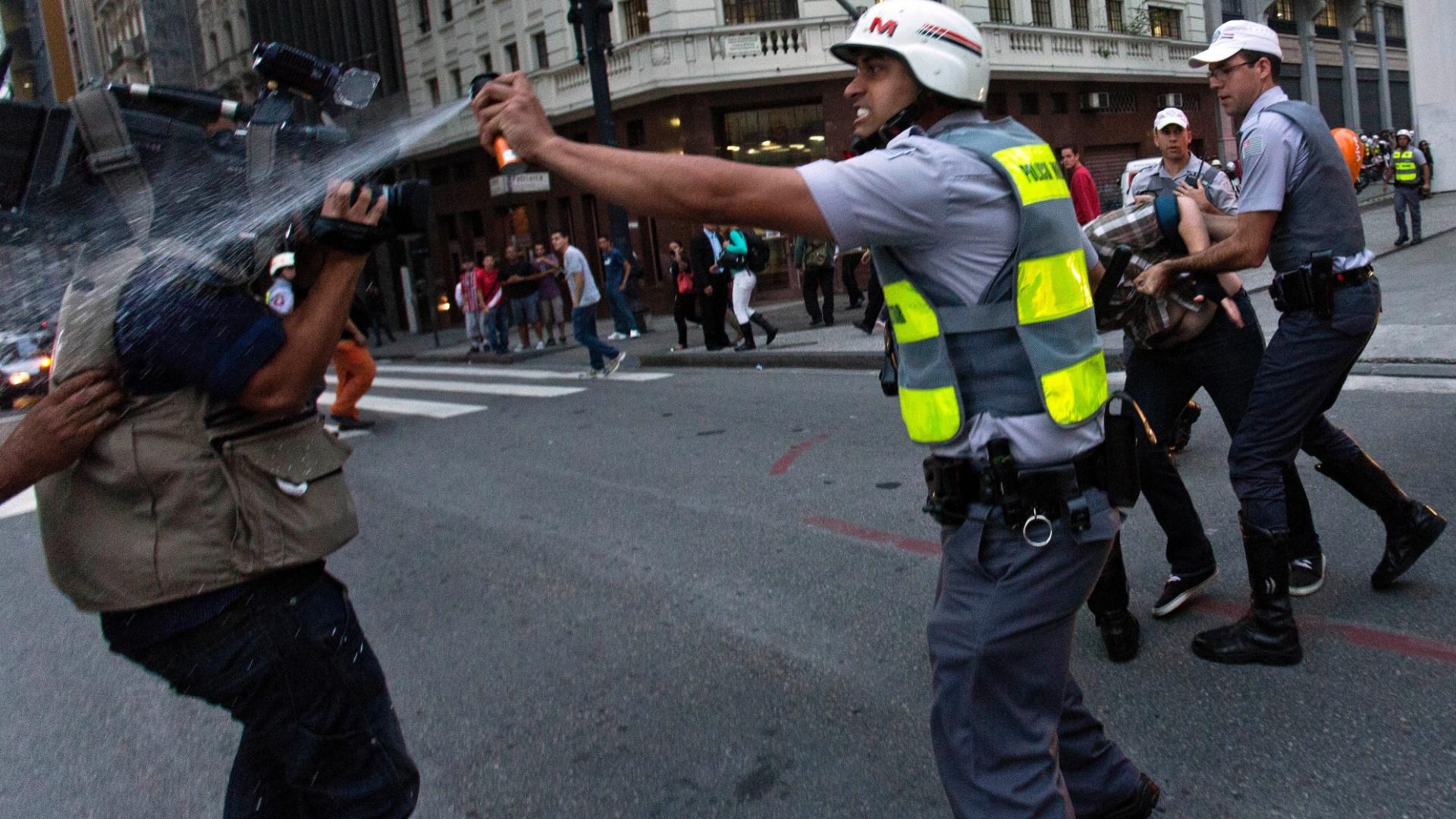 Protesto em SP: Alckmin demonstra vontade de reprimir, e Haddad erra ao atribuir violência a movimento