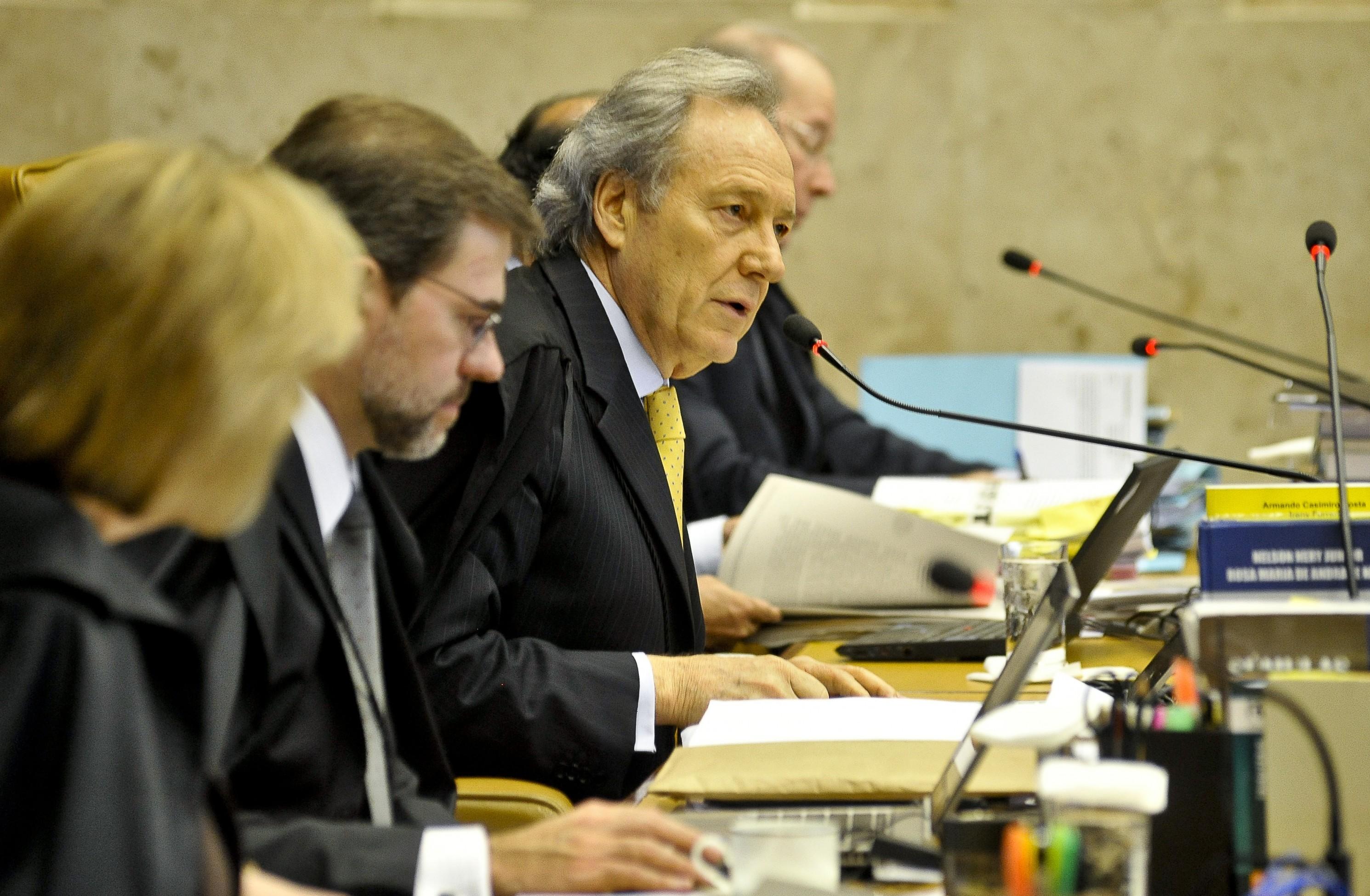 Mensalão: Lewandowski acata recursos em favor de novo julgamento da Ação Penal 470