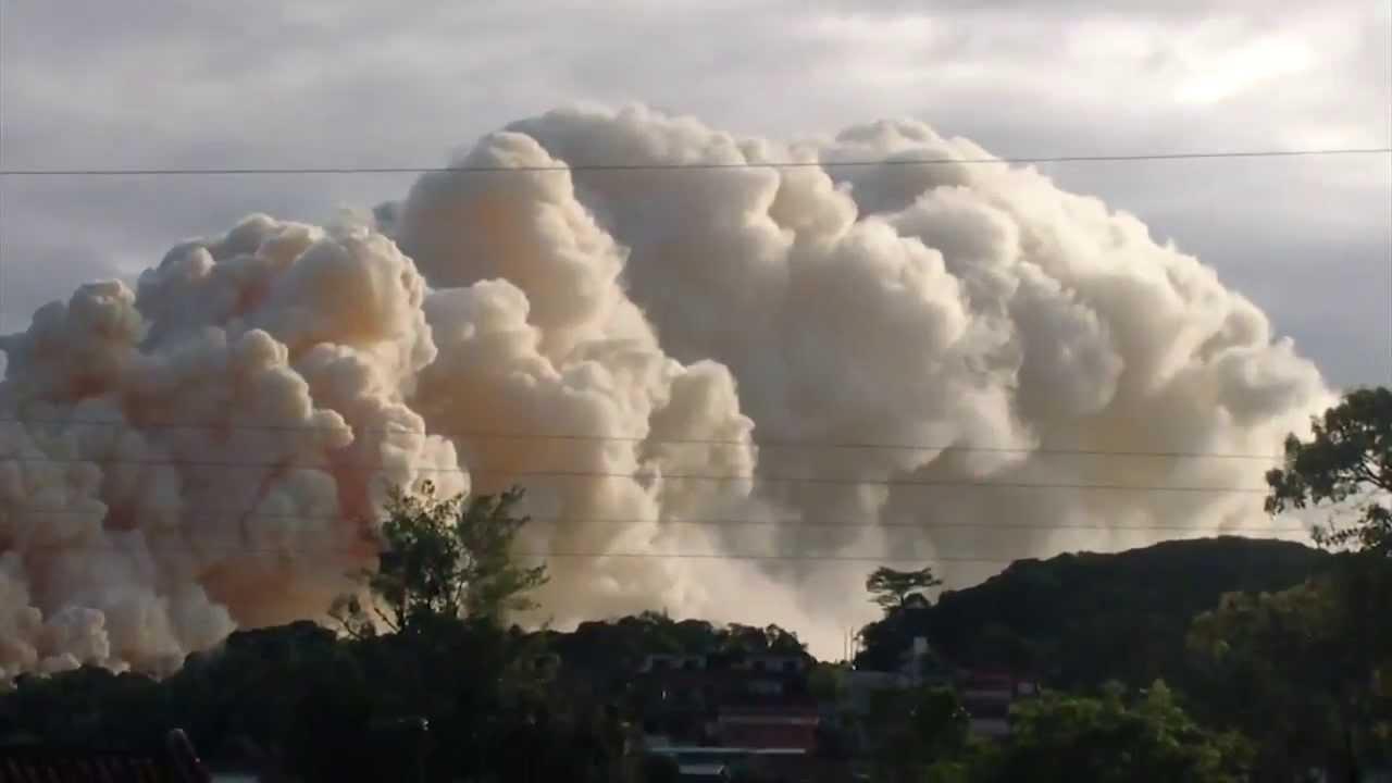 Incêndio em São Francisco do Sul: famílias deixam cidade fugindo da fumaça tóxica