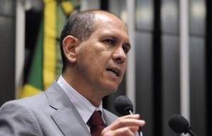Senador Anibal Diniz (PT-AC) discursa em sessão de homenagem aos 90 anos do Partido Comunista do Brasil