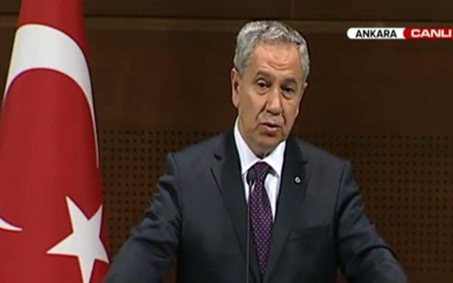 Mulheres devem evitar rir em público em nome da decência, diz vice-premiê turco