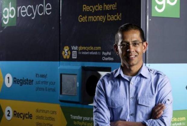 Engenheiro cria máquina que troca lixo reciclável por dinheiro