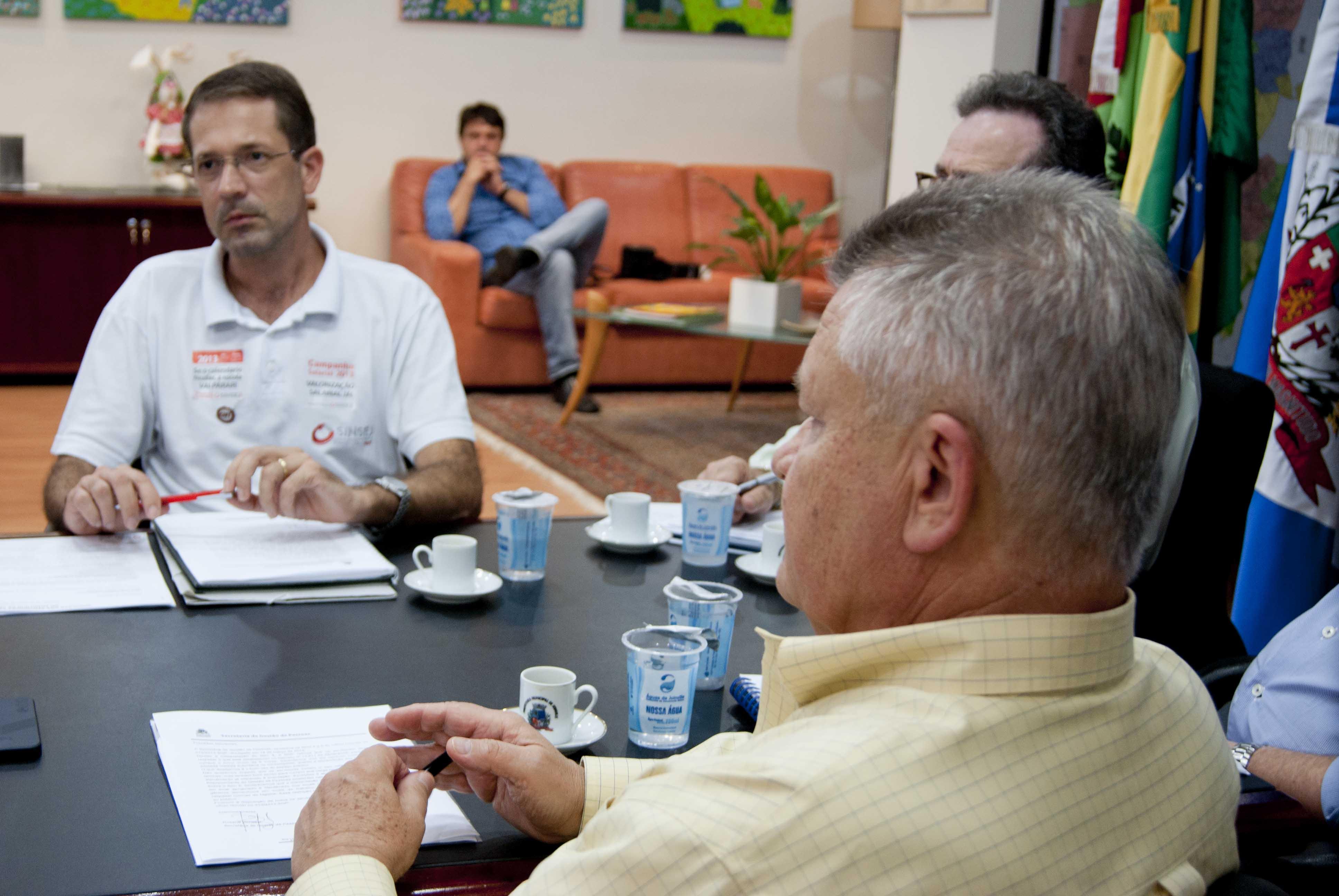 Udo Döhler X Sinsej: Sindicato reafirma que Prefeitura pode dar aumento real