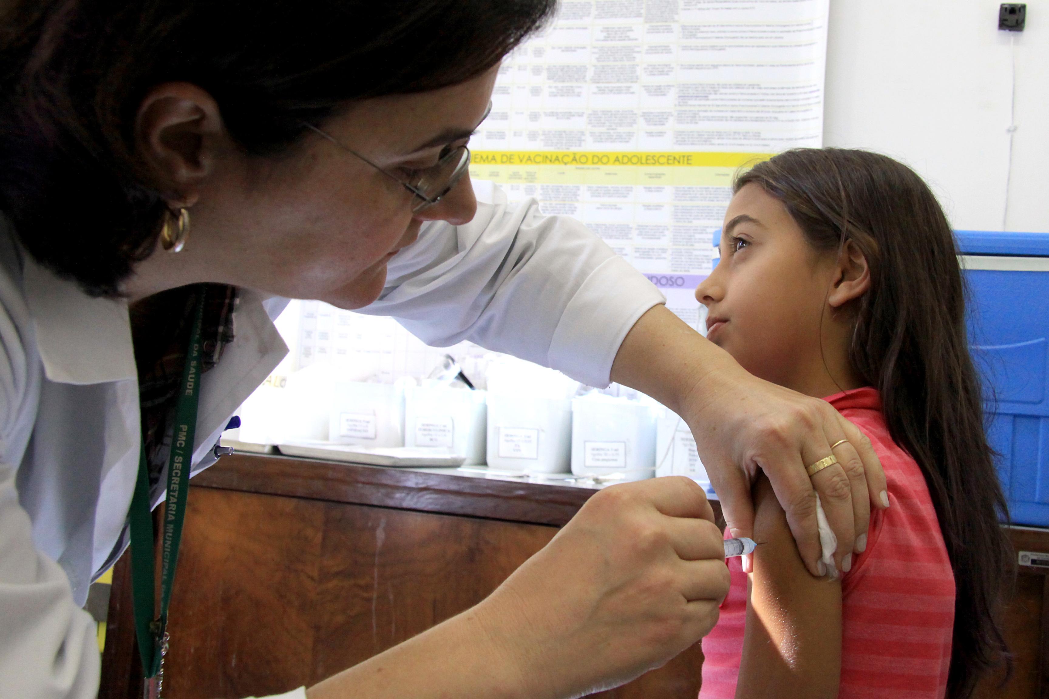 HPV: Começa a oferta da vacina para meninas de 9 a 11 anos