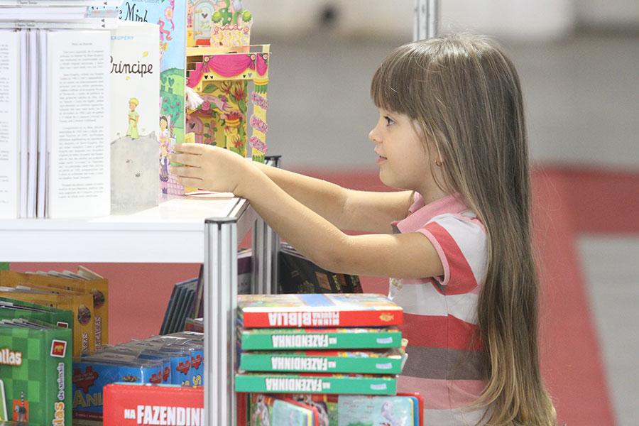 Feira do Livro de Joinville (SC) chegando ao final, confira a programação até domingo (19/4)