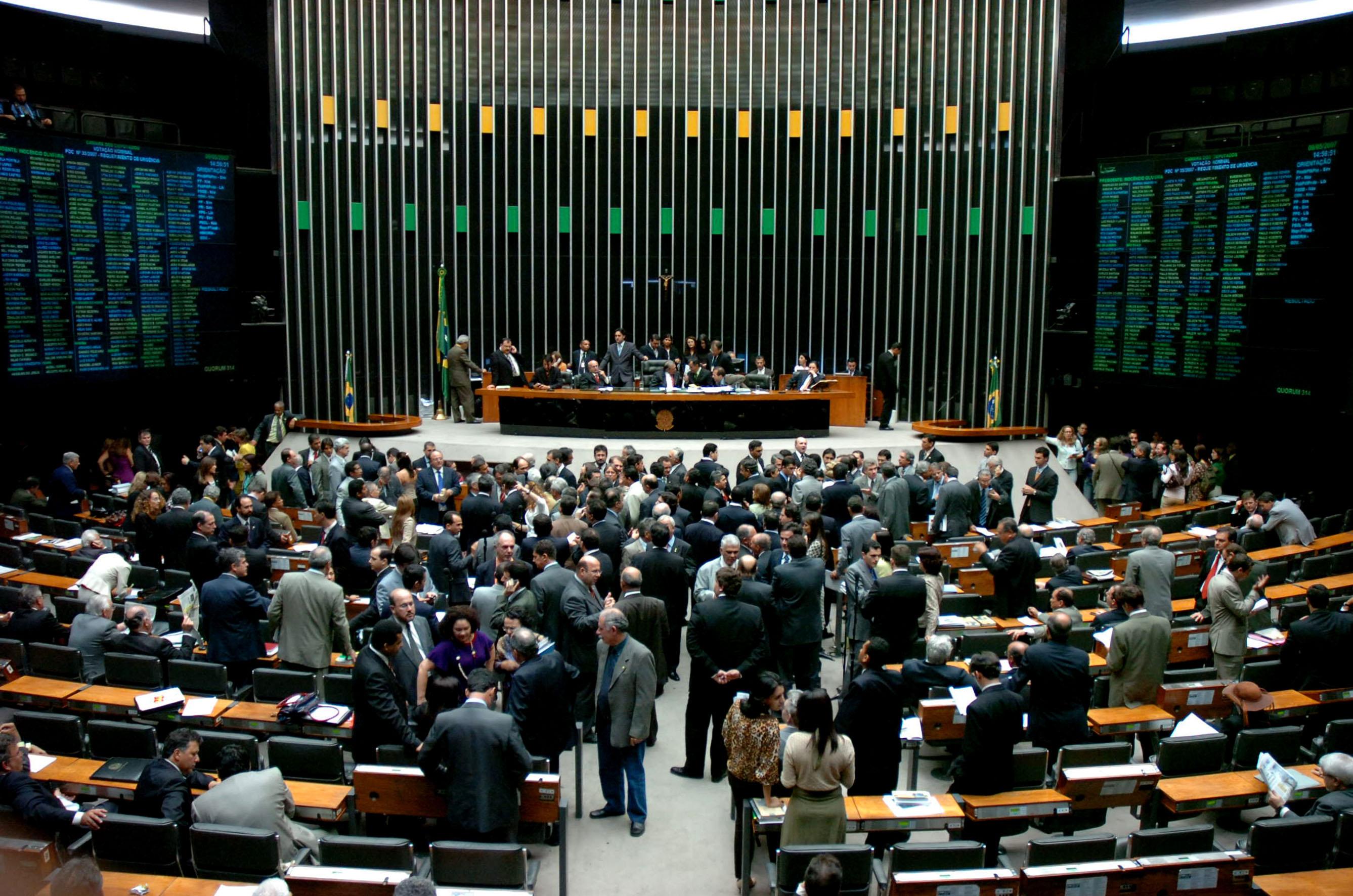 Redução da Maioridade Penal é o principal tema na Câmara dos Deputados esta semana