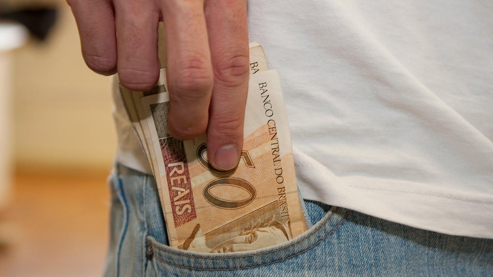Receita Federal libera consulta ao primeiro lote de restituições do IR 2015