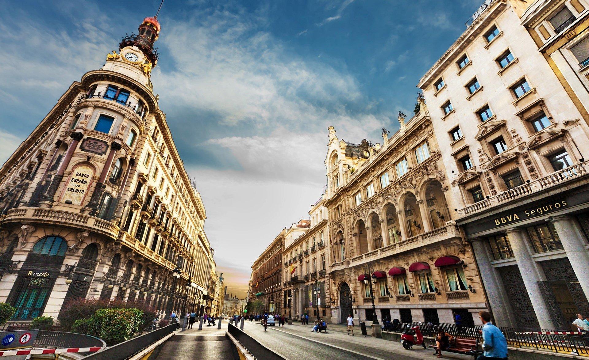 Oportunidades: Empresas europeias oferecem emprego para quem fala português