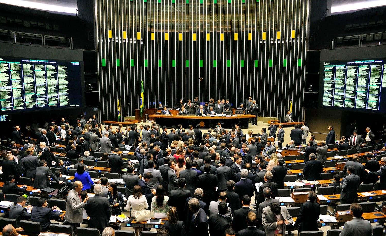 PDT e PTB deixam base do Governo Dilma