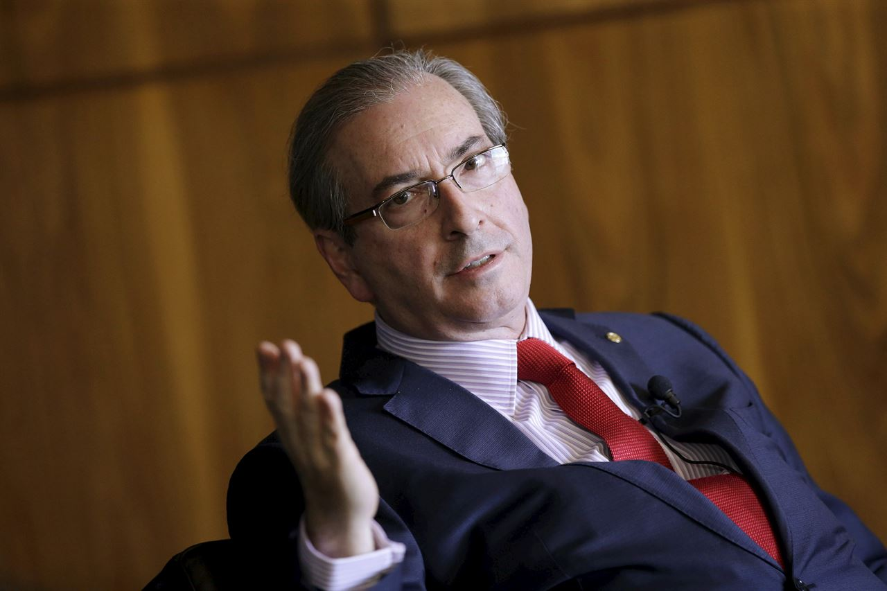 Cunha pagou para barrar dados sobre contas na Suiça, afirma o Estadão