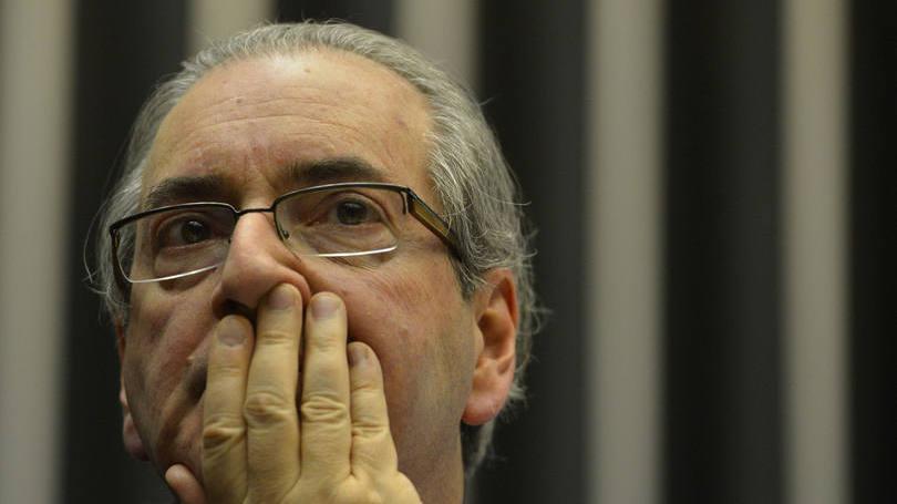 PF na casa de Eduardo Cunha para busca e apreensão marca o dia em Brasília
