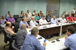 José Álvaro Cardoso considera que os patrões superestimam a crise econômica, para não concederem reajuste digno ao Piso Salarial Estadual