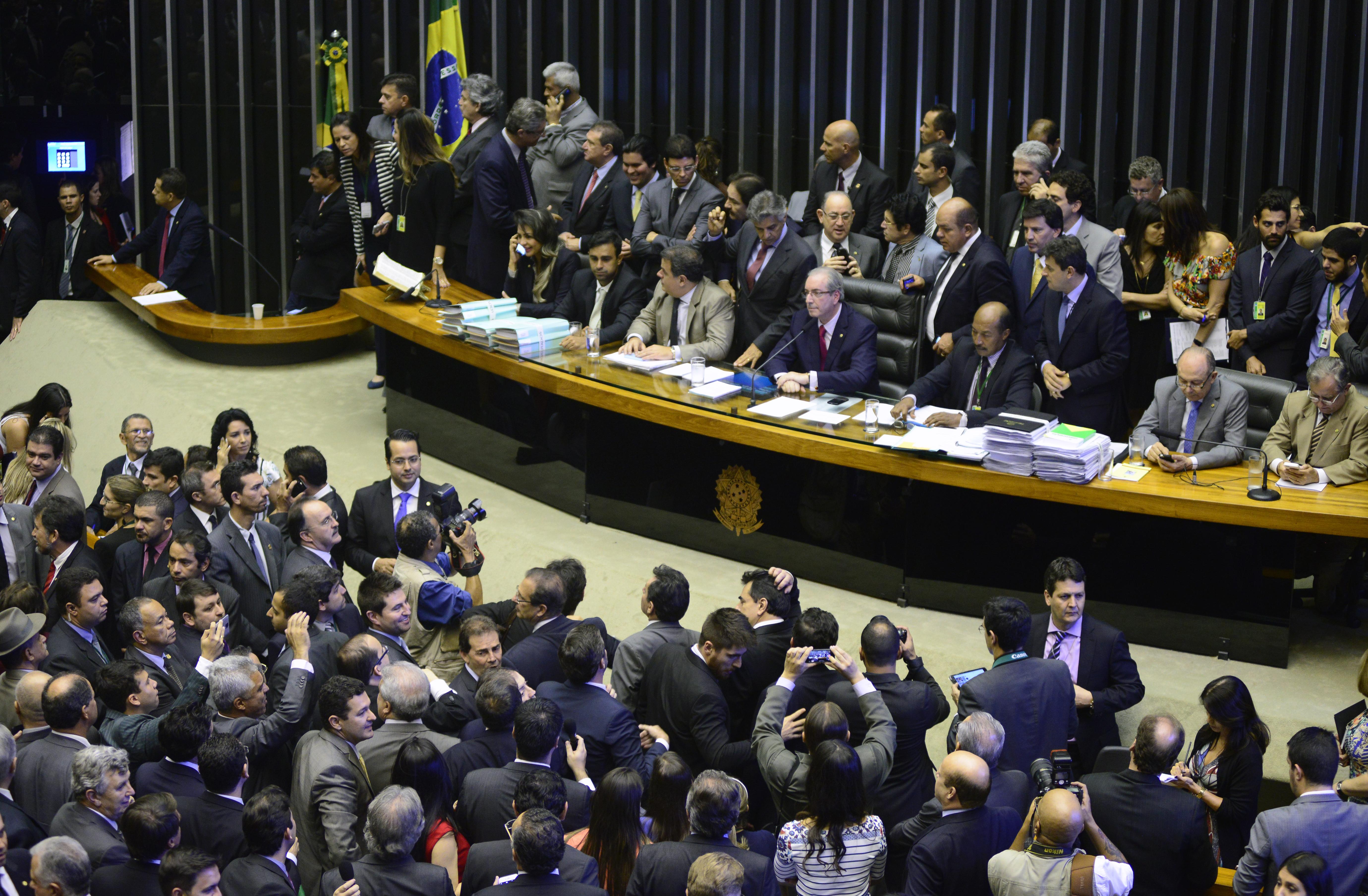 Congresso Nacional volta às atividades com eleições dos líderes partidários