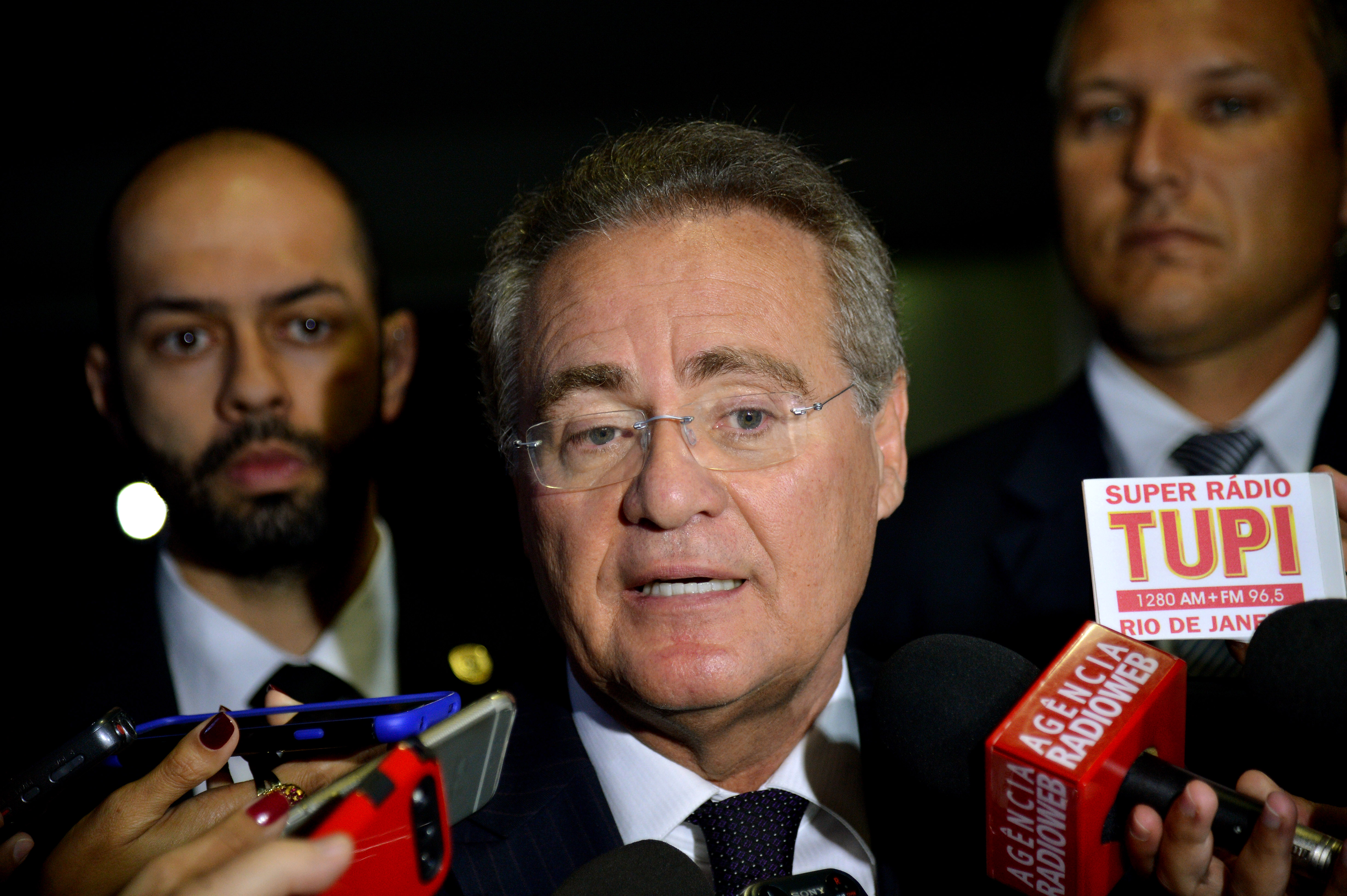 "Renan – ""Senado deve ouvir o que Delcídio tem a dizer"""