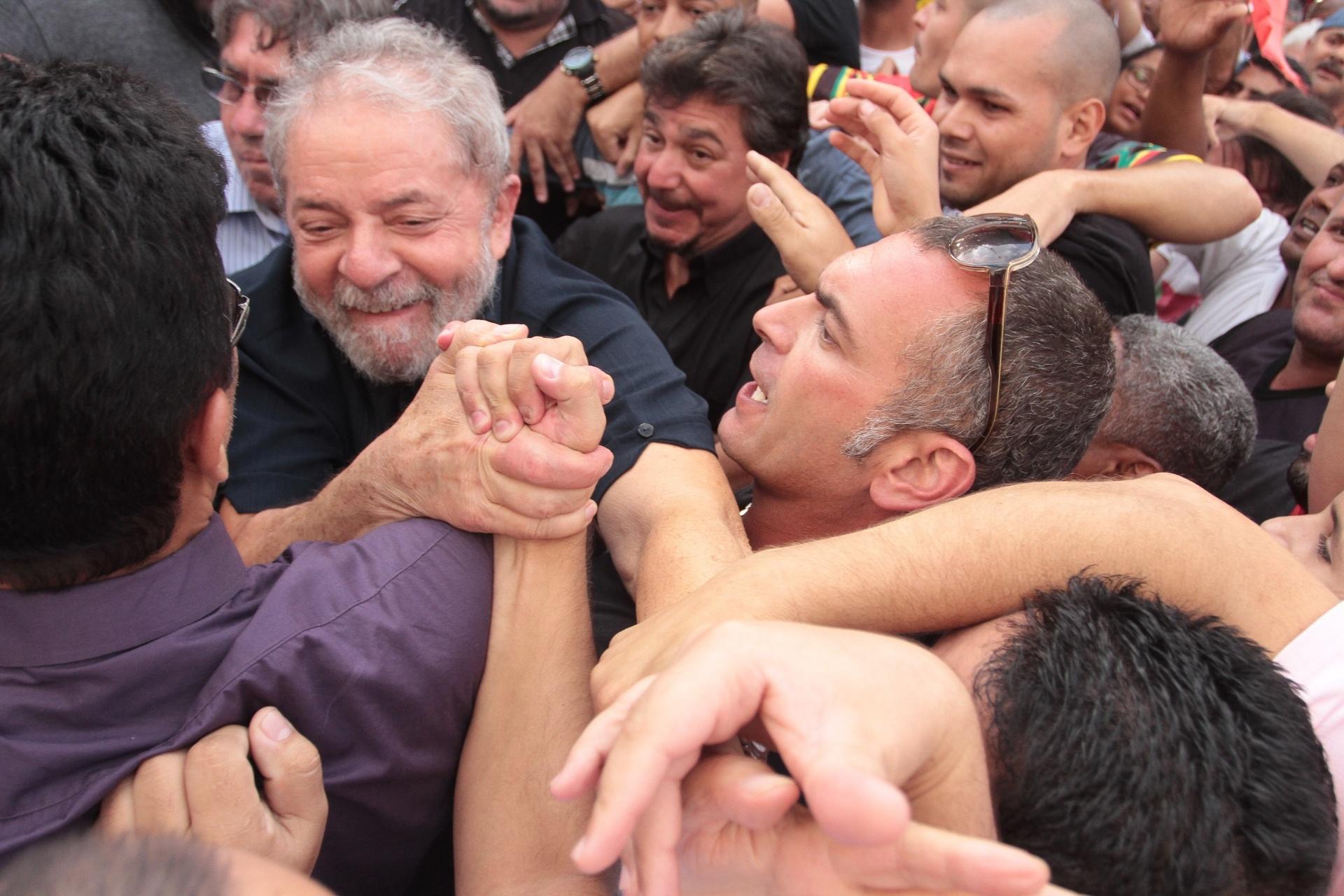 Crise Política – Planalto afirma que Lula assinou termo de posse porque poderia estar ausente