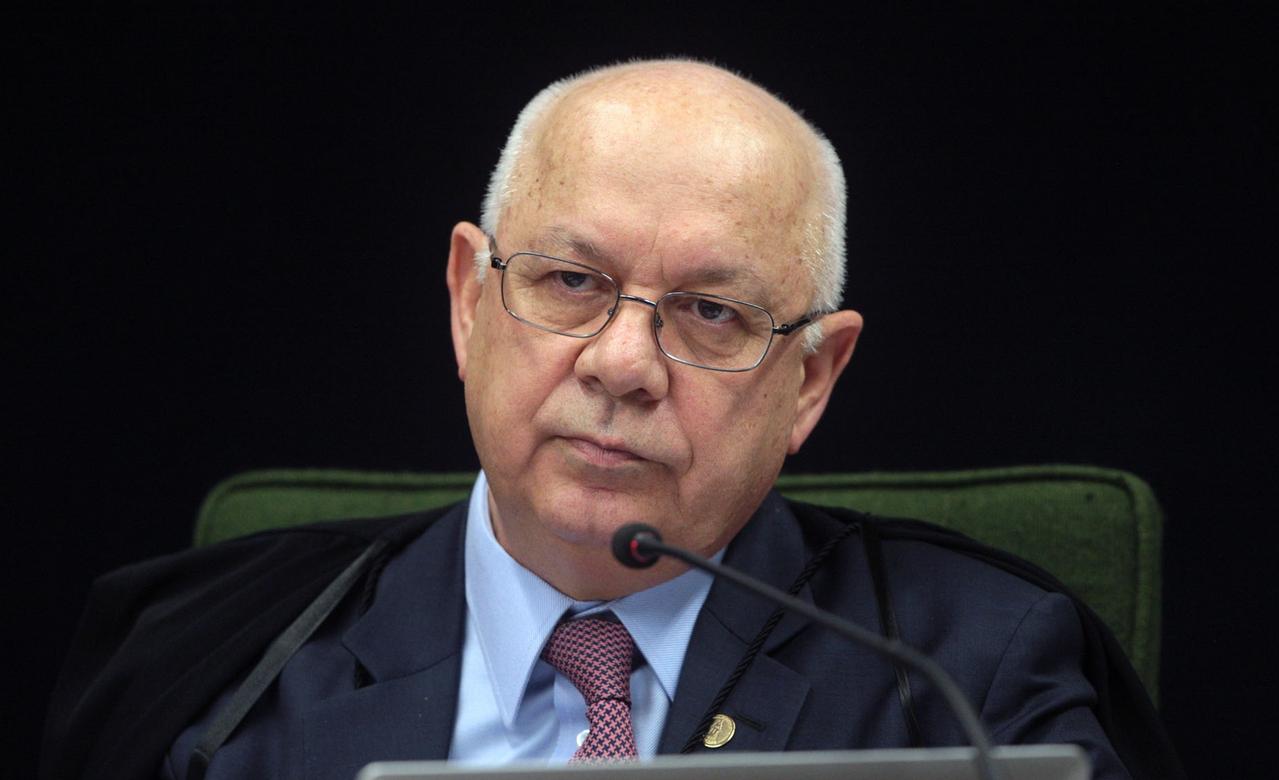 Ministro Teori determina que investigações sobre Lula sigam para o STF