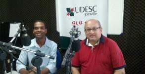 SalvadorNeto-jornalista-entrevista-radio-udesc-fm-sergio-sestrem-14mar2016