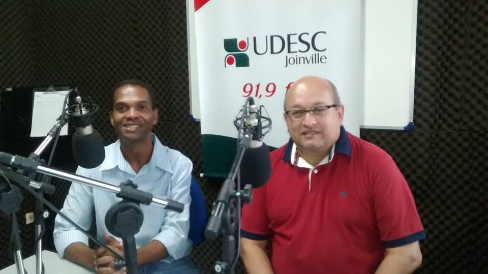 Salvador Neto concedeu entrevista à Rádio Udesc FM 91.9 sobre cenário político pós-manifestações