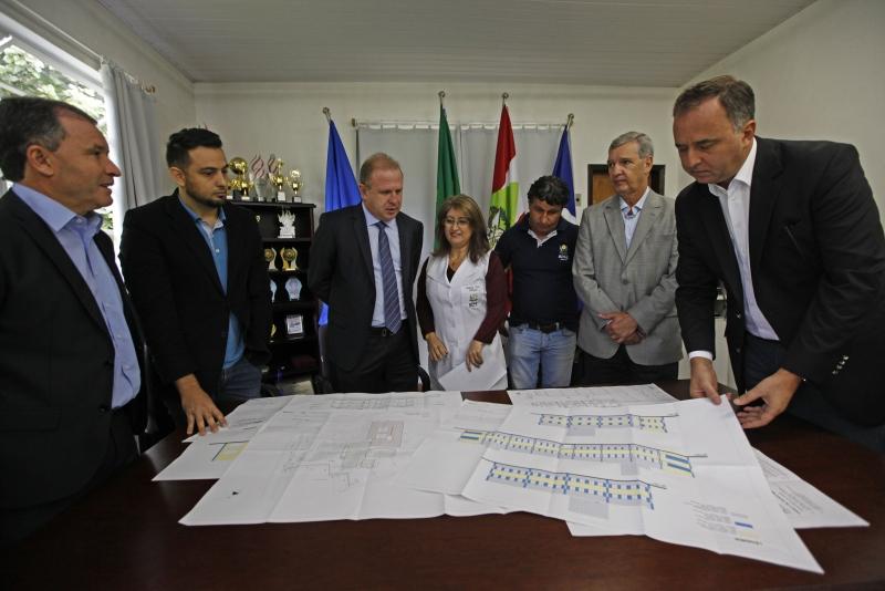 Apae de Joinville (SC) recebe projeto arquitetônico para a sua nova sede