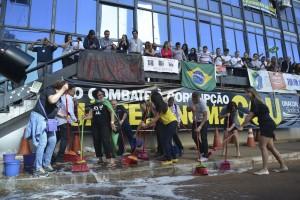 PalavraLivre-exoneracao-ministro-cgu-protestos
