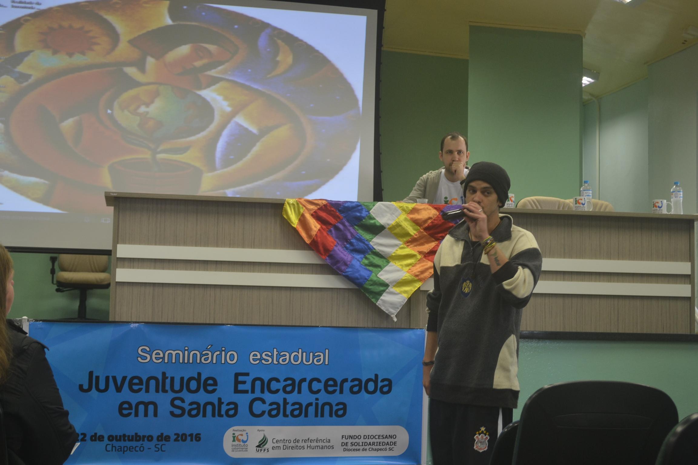 Encarceramento  juvenil foi pauta de debates em seminário realizado em Chapecó (SC)