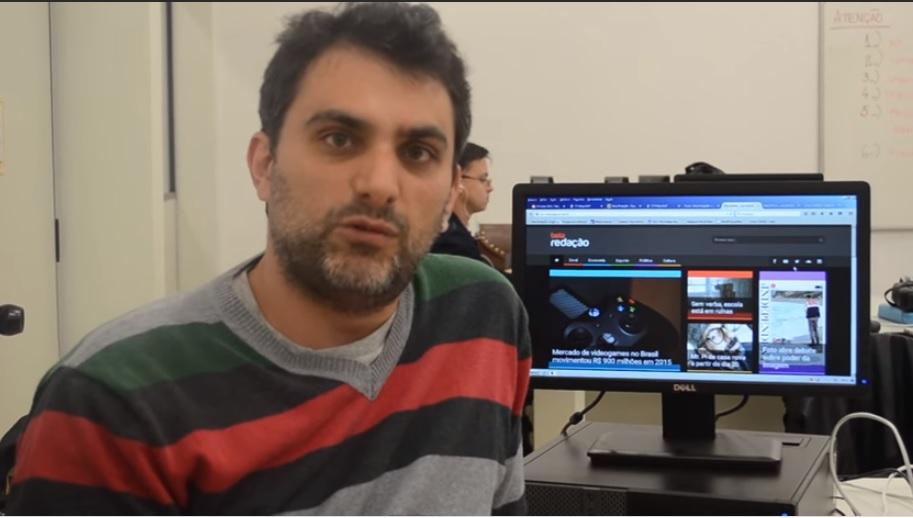 Paraninfo defende democracia e a imprensa e sai escoltado de universidade