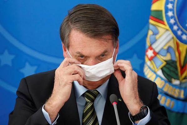 Bolsonaro tem que apresentar exame sobre Covid-19 em até 48 horas