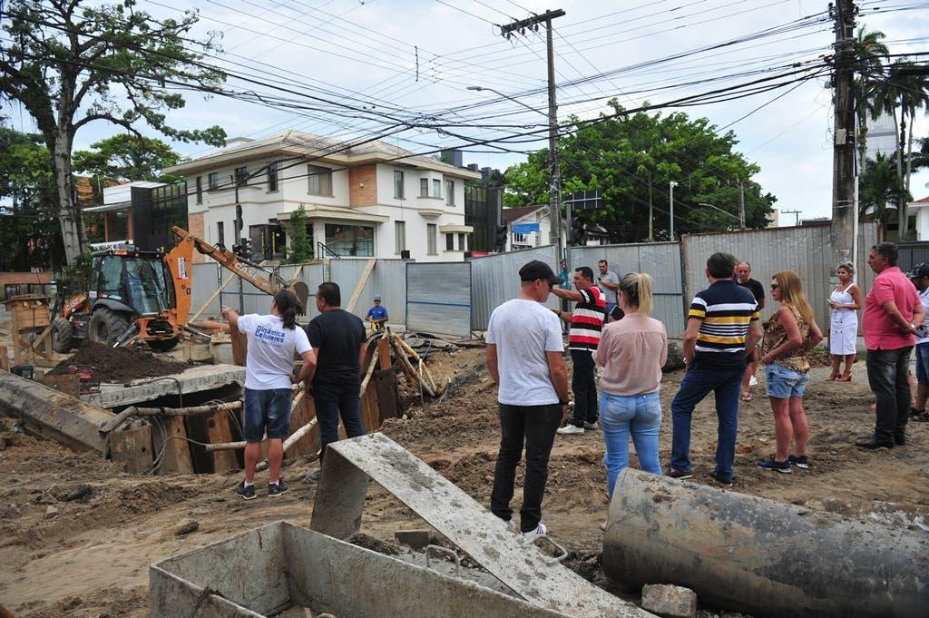 Obras inacabáveis do rio Mathias é tema de reunião hoje na Câmara de Vereadores em Joinville (SC)