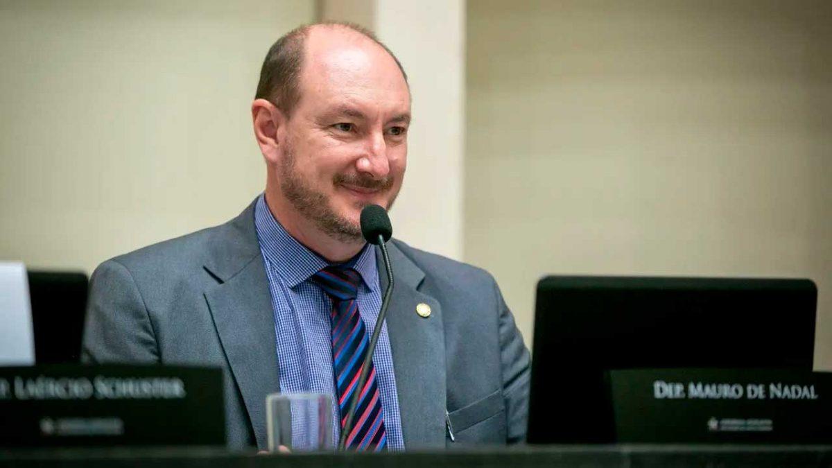 Mauro de Nadal é eleito presidente da Assembleia Legislativa de SC