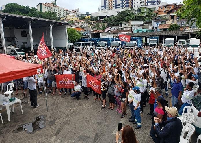 Trabalhadores da Comcap encerram greve após acordo com a Prefeitura