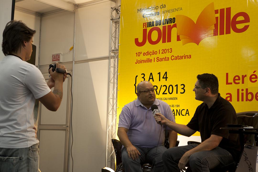 O jornalista que não tem medo de responder, nem de perguntar – Entrevista a Wagner Dias do Portal Joinville