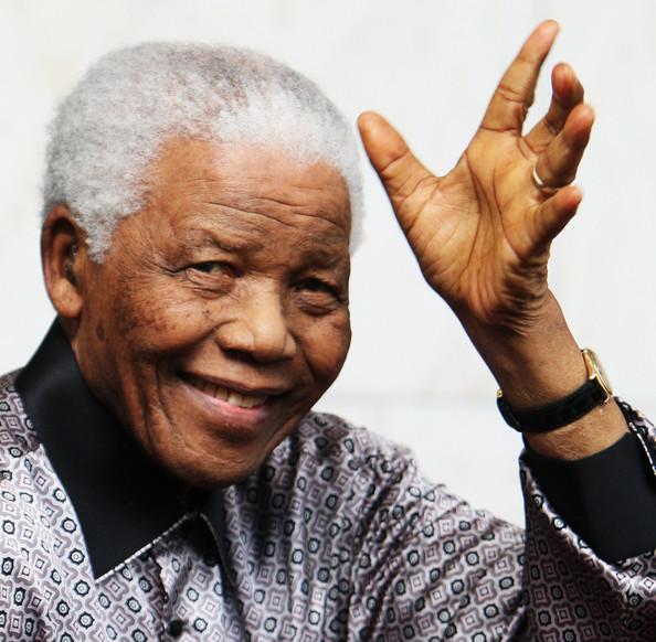 Nelson Mandela morre na África do Sul aos 95 anos