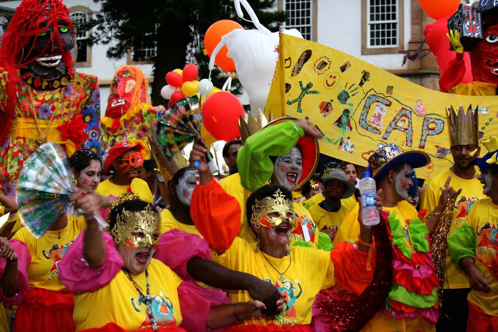 Carnavalescos devem pagar direitos autorais de músicas executadas
