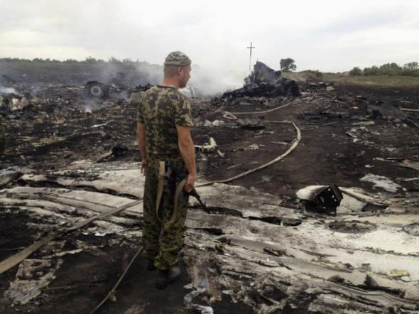 Ucrânia acusa Rússia de derrubar avião da Malaysia Airlines