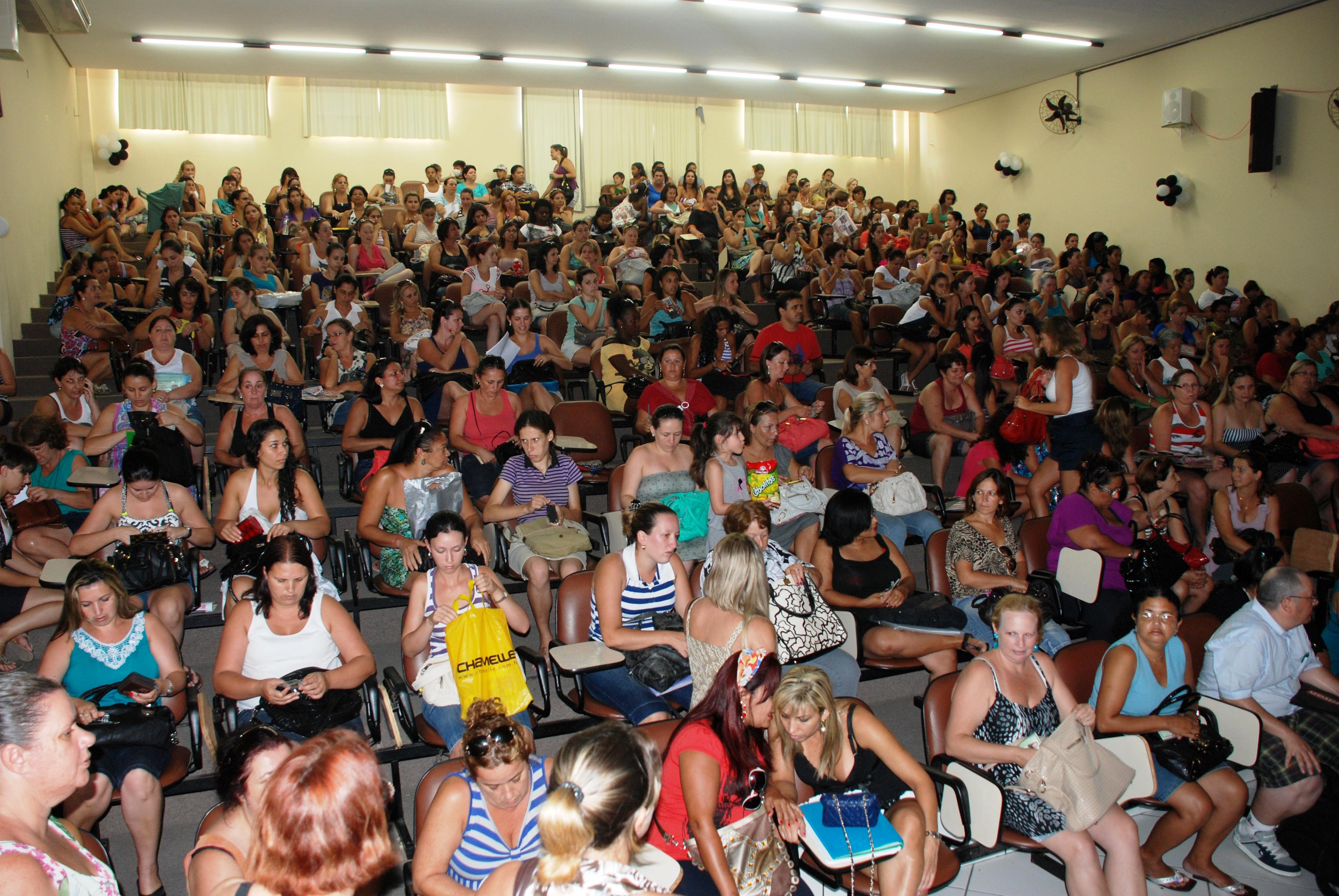 Educação: Mais de 43 mil professores participam do processo seletivo para ACTs em SC