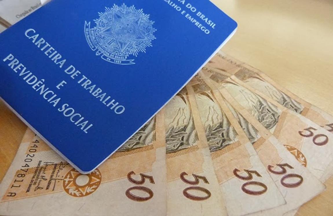 Cunha condena aprovação de emenda que estende às aposentadorias o reajuste do salário mínimo