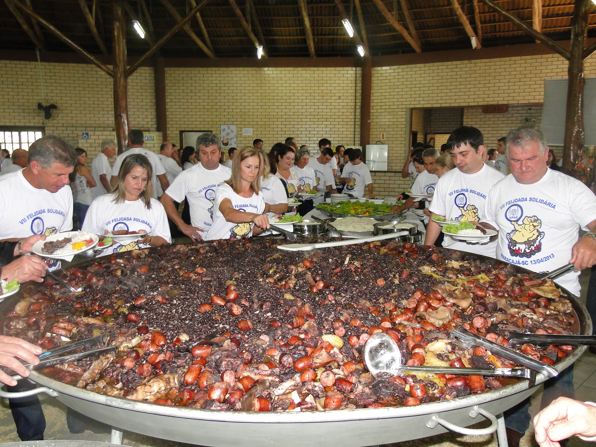 Feijoada da APAE de Joinville 50 Anos será neste sábado (11/7), participe!