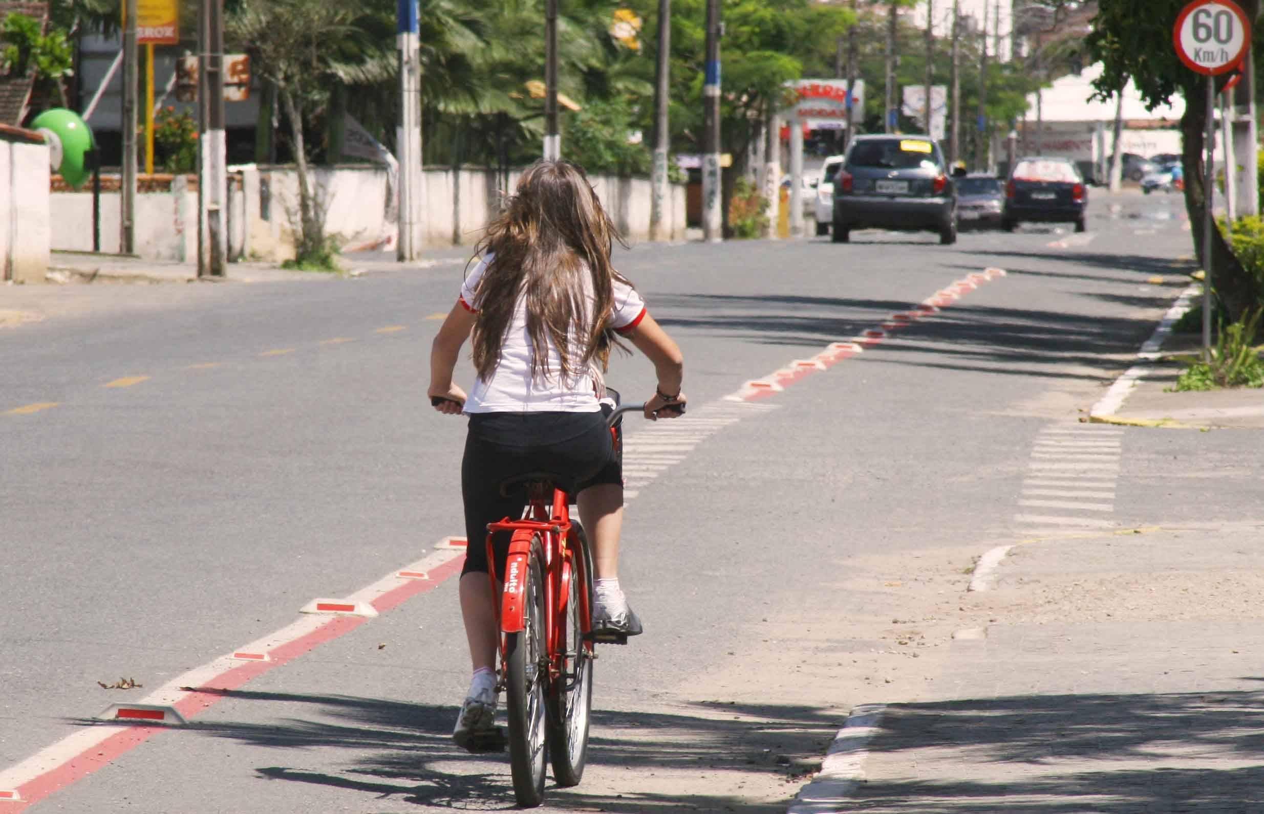 Joinville começa a debater planos cicloviário e de caminhabilidade
