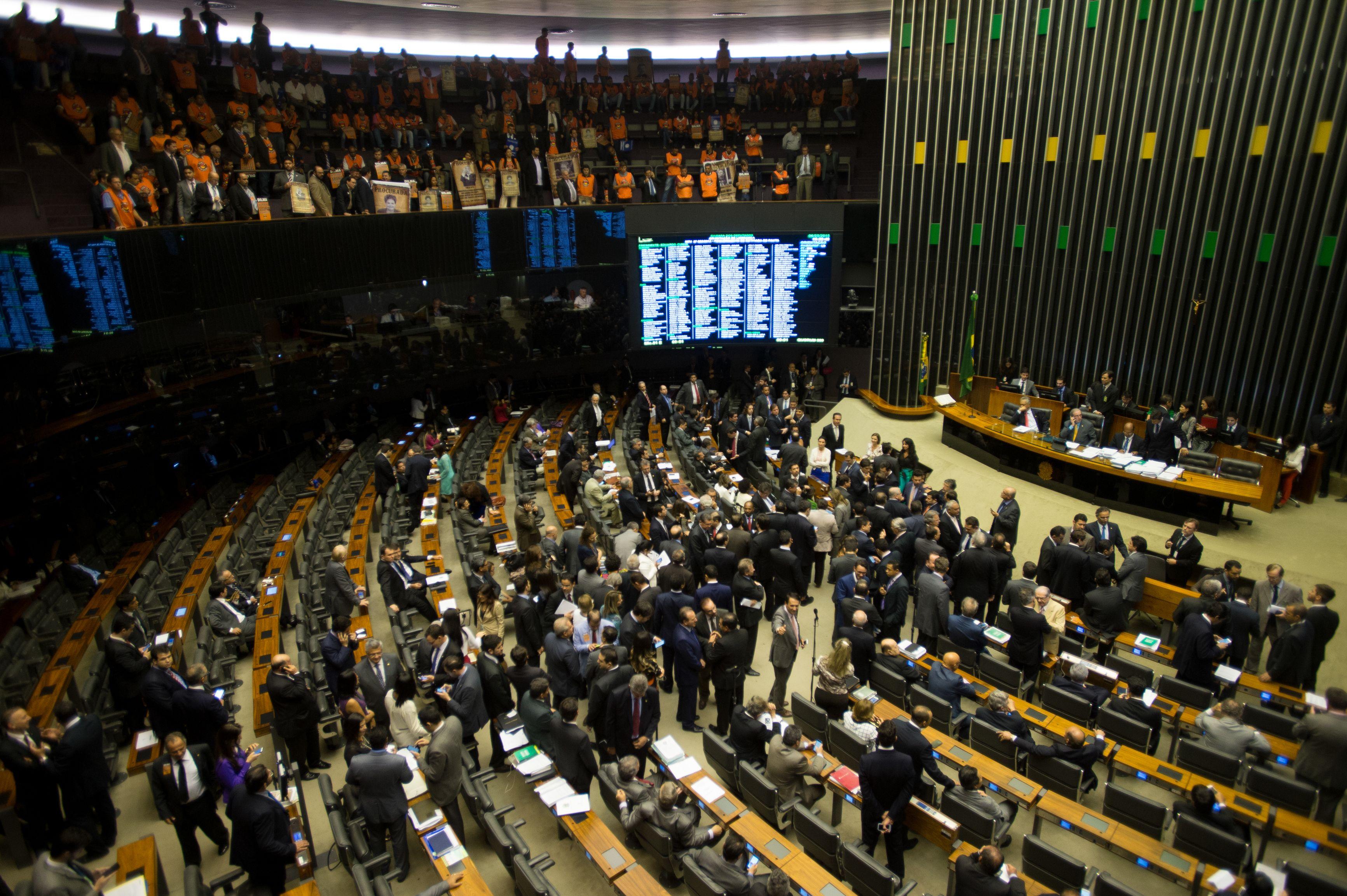 Ajuste Fiscal do governo federal enfrenta novos obstáculos no Congresso Nacional
