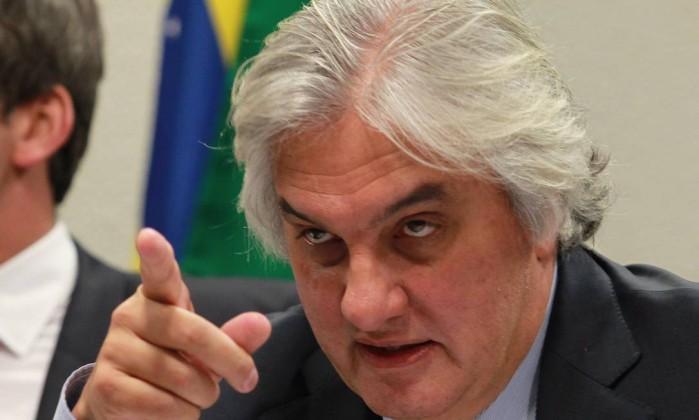Em delação premiada homologada pelo STF, senador Delcídio do Amaral atira para todos os lados