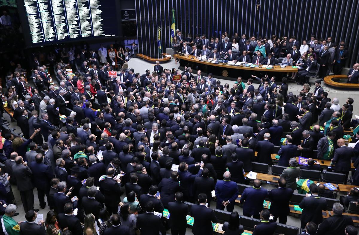Dilma perde a batalha contra o impeachment na Câmara; agora é no Senado