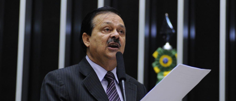 Relator avisa que vai antecipar entrega do relatório do impeachment de Dilma