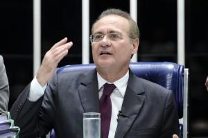 Presidente do Senado, Renan Calheiros (PMDB-AL) conduz a análise de cinco projetos de resolução autorizando operações de crédito de estados e União com instituições financeiras internacionais