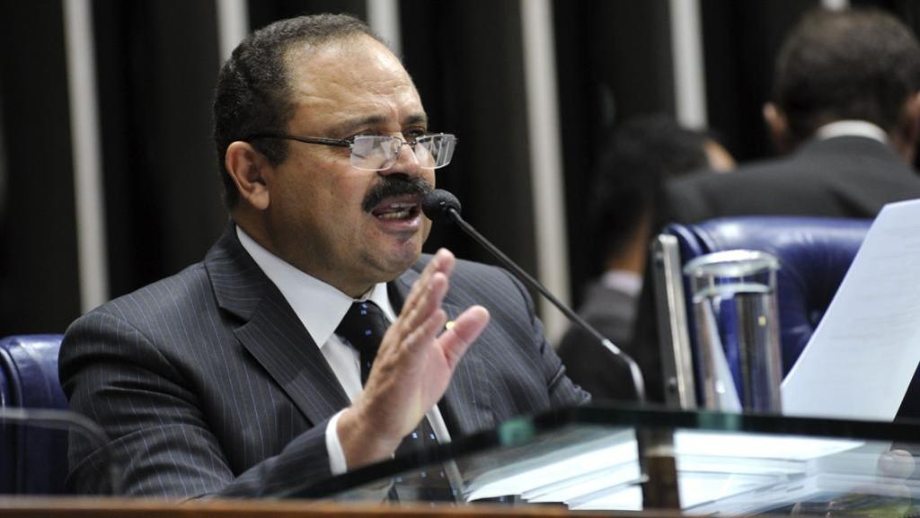 Em menos de 24 horas Waldir Maranhão anula sessões do impeachment e revoga a sua decisão