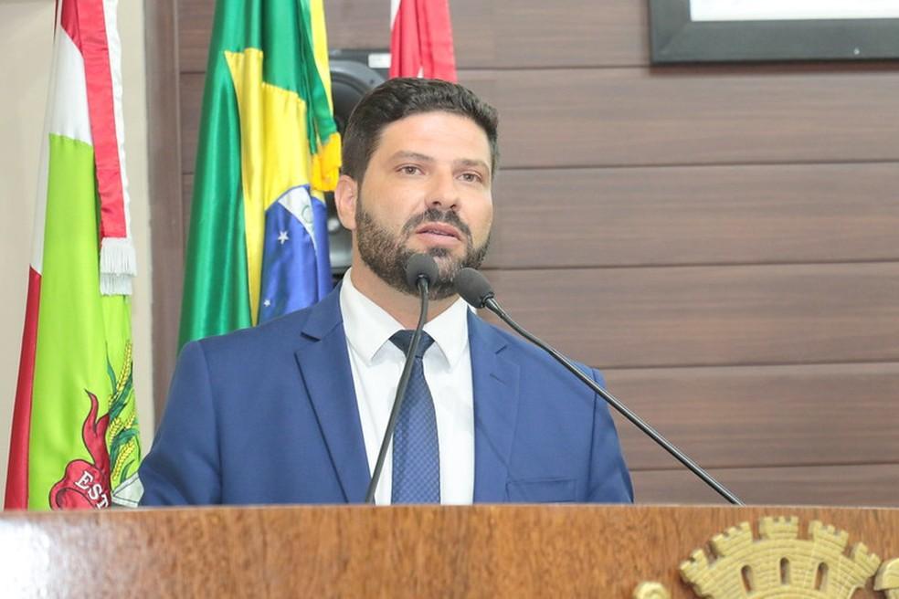 Fábio Braga (PTB) é o novo presidente da Câmara em Florianópolis