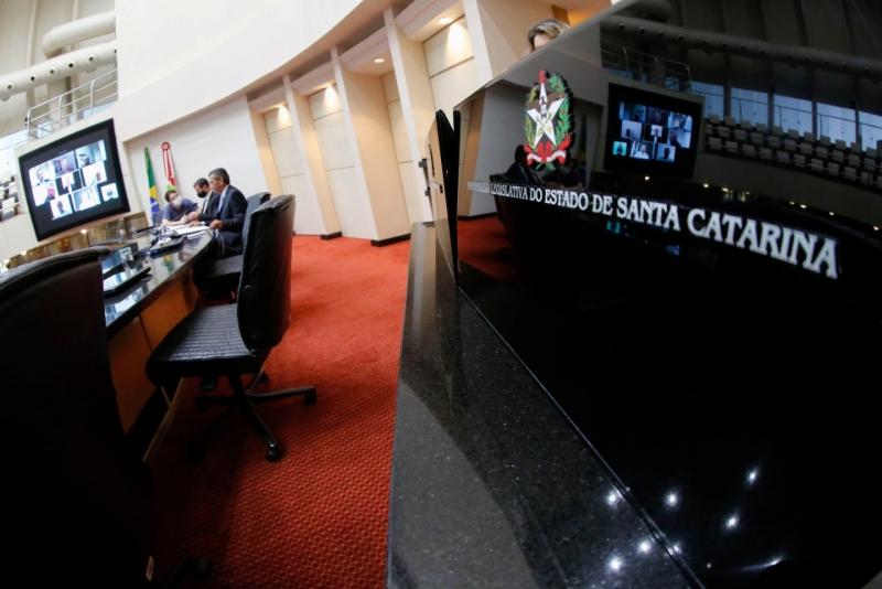 Caso dos Respiradores – Deputados criam CPI e pedem afastamento do Secretário da Saúde