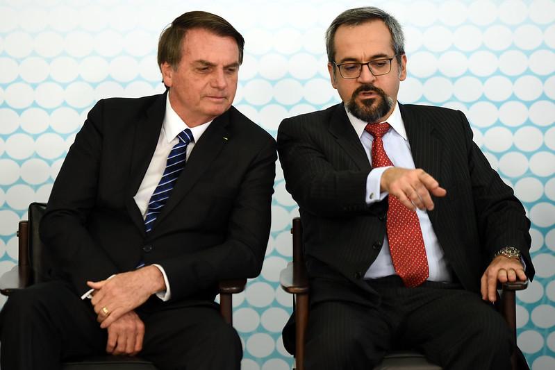 Ditadura avançando? Bolsonaro usa MP para autorizar MEC a escolher reitores