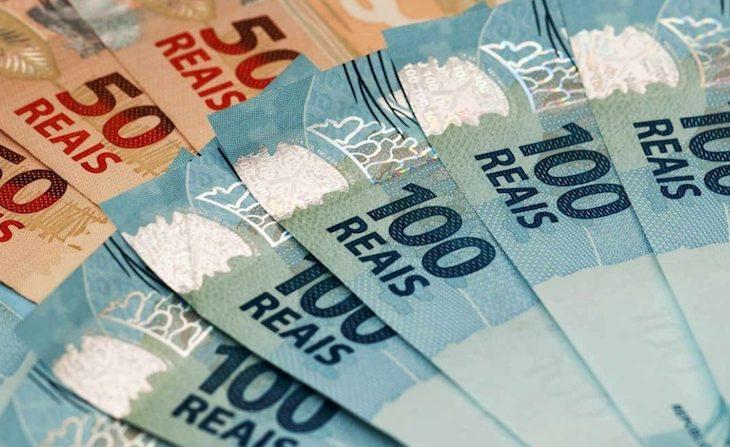 Criciúma aquece a economia com pagamento de 50% do décimo terceiro a servidores
