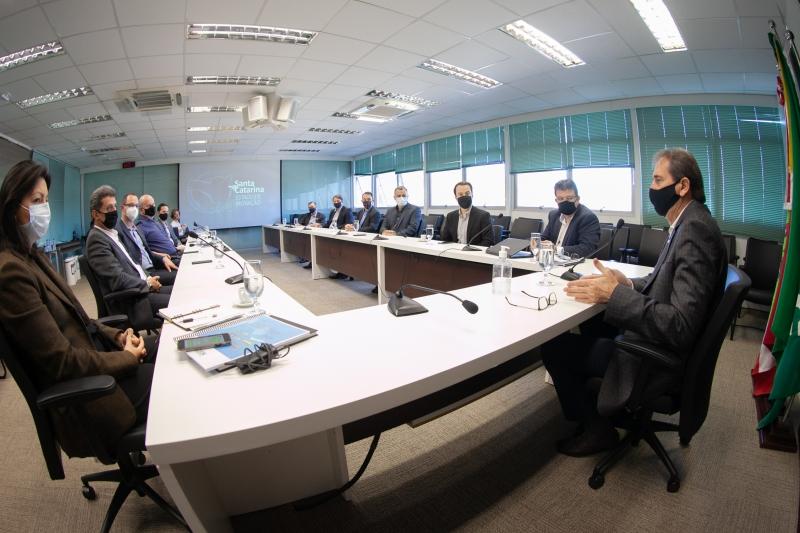 Fiesc e Governo do Estado debatem ações para infraestrutura e saúde